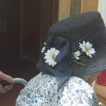 Resident wearing her hat to watch the Prince Harry marry Meghan